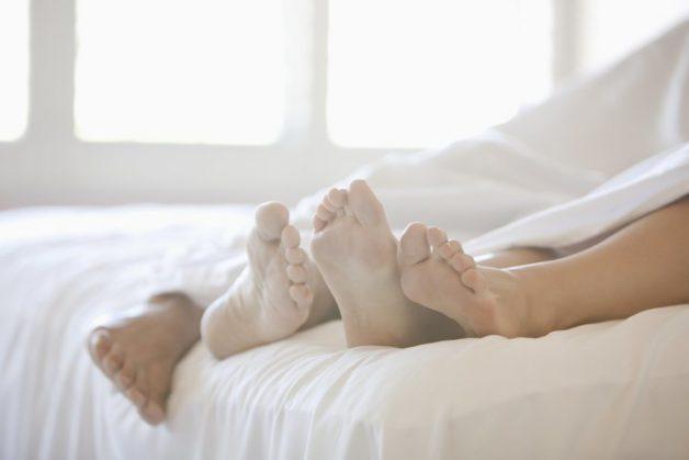 Quan hệ tình dục không an toàn là nguyên nhân khiến bao quy đầu bị sưng đỏ