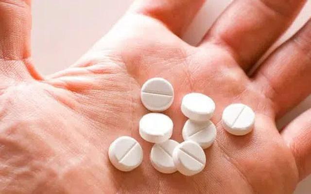 Cần tuân thủ chỉ định dùng thuốc của bác sĩ chuyên khoa về loại thuốc, hàm lượng thuốc và thời gian sử dụng.
