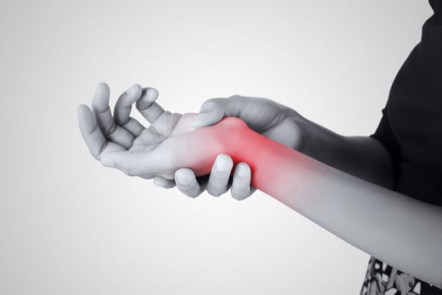 viêm khớp cổ tay có biểu hiện gì