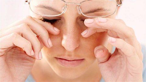 Bệnh đau đầu mờ mắt – nguyên nhân và cách chữa trị