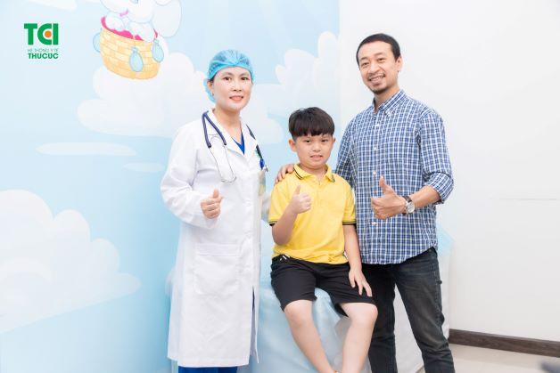 cha mẹ cần chủ động tìm hiểu những thông tin về bệnh viêm amidan để từ đó có thể nắm được các lưu ý trong chăm sóc trẻ để giúp trẻ mau chóng hồi phục sức khỏe.